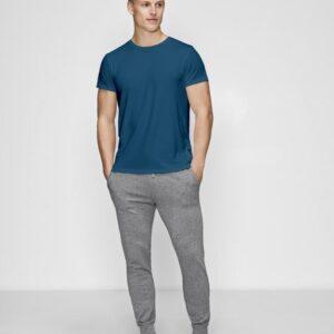 Bambussæt med blå t-shirt og grå sweatpants